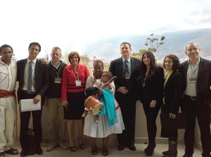El Dr. Serrato en compañía del El Viceministro de Turismo de Bolivia, Marko Machicao y representantes de las nueve regiones que conforman el país andino