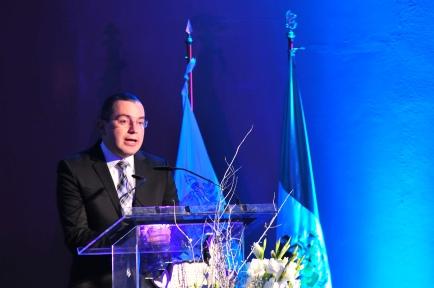 Dr. Marco Serrato en la Ceremonia de Entrega de Galardones en Educación Ejecutiva 2014